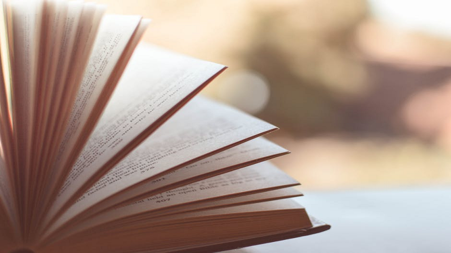 5 Reasons Why Printed Books Are Better